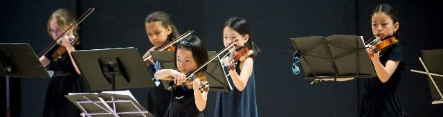 Childrens Program violin players